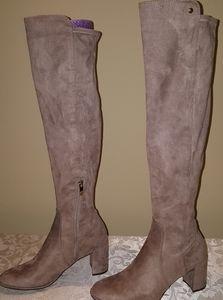 Liz Claiborne faux suede over knee boots size 9